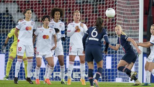 Ungewohntes Gefühl der Niederlage: Dzsenifer Marozsan (li.) und ihr Team verloren gegen Paris