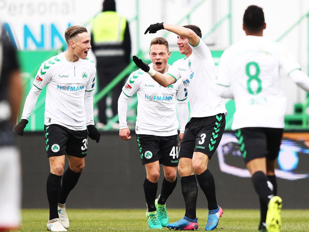 Greuther Fürth konnte sich mit dem Sieg gegen Kaiserslautern von der Abstiegszone entfernen