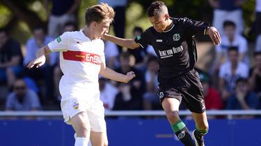 Danny Collinge (l.) verlässt den VfB Stuttgart