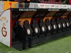 Jan Olde Riekerink neemt alvast plaats op de bank van Galatasaray. (28-01-2017)