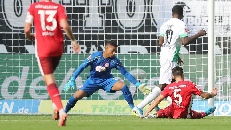 Marcus Thuram (r.) erzielte gegen Düsseldorf seine ersten beiden Bundesliga-Tore