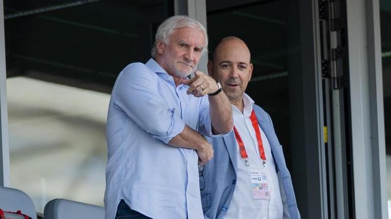 Hoffen bei Leverkusens Heimspiel gegen RB Leipzig auf Zuschauer: Sportchef Rudi Völler (l.) und Geschäftsführer Fernando Carro