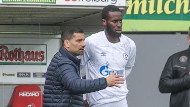Schalke-Coach Grammozis setzt wohl weiter auf Salif Sané