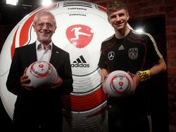 Gerd Müller y Thomas Müller juntos en el 2010. (Foto: Getty)