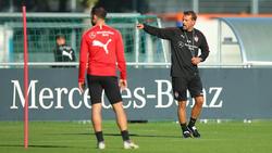 VfB-Trainer Markus Weinzierl beim Training der Stuttgarter