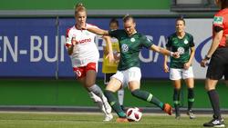 Alexandra Popp (r.) hat sich für einen Verbleib in Wolfsburg entschieden