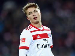 Der Einsatz von Jann-Fiete Arp gegen den FC Augsburg ist fraglich
