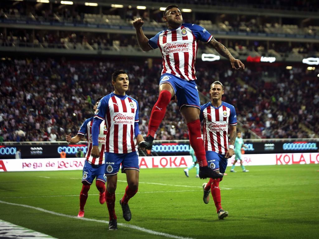 Chivas se deshizo de su mal momento y venció a domicilio.