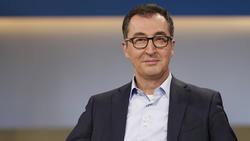 Cem Ödzemir hat sich in der Debatte zur Verteilung der TV-Gelder geäußert