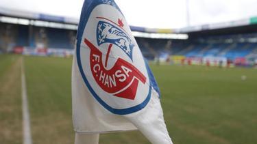 Für das Heimspiel von Hansa Rostock gegen den Halleschen FC sollen 777 Zuschauer zugelassen werden