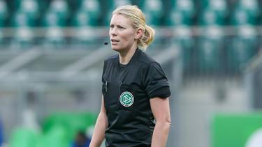 Mirka Derlin pfeift das Frauen-Pokalfinale