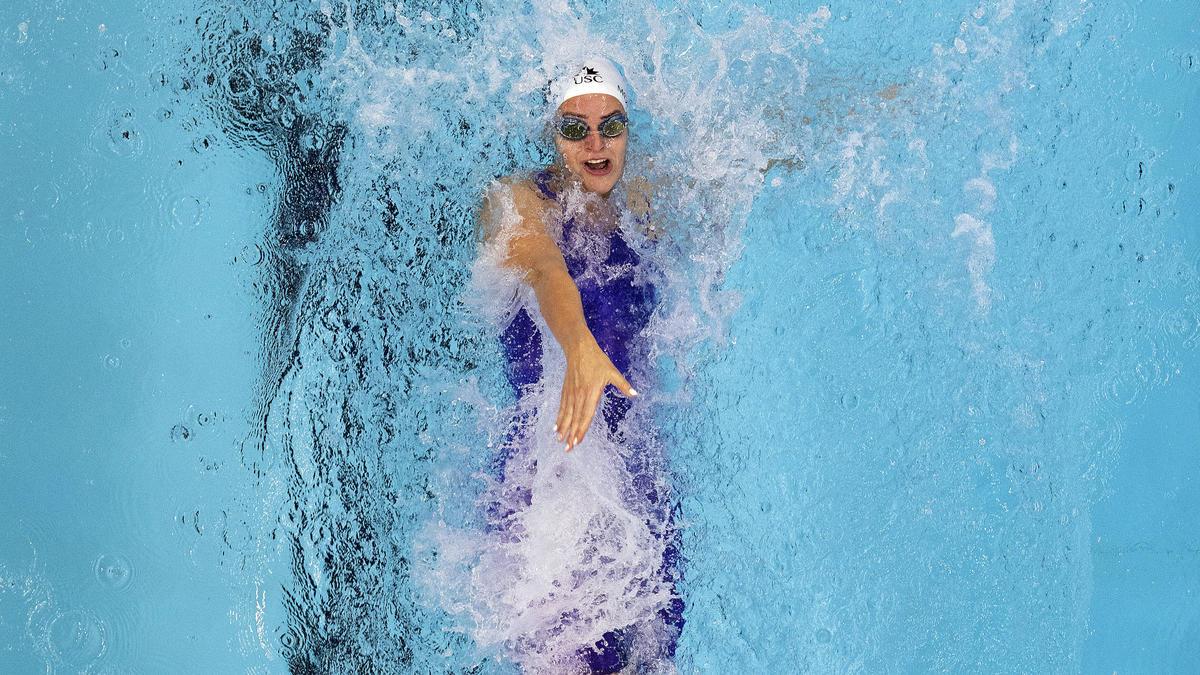 Kaylee McKeown verbessert ihren Weltrekord über 100 Meter Rücken