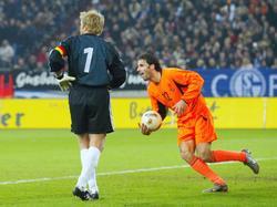 En 2002, el equipo con Van Nistelrooy de goleador ganó a Alemania por 1-3). (Foto: Getty)