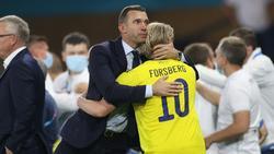 Emil Forsberg suchte Trost nach dem Achtelfinal-Aus