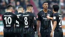 Eintracht Frankfurt bangt um Sébastien Haller (2.v.r.)