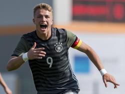 Jann-Fiete Arp traf dreifach für die DFB-Junioren