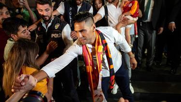 Falcao en su llegada a Turquía.
