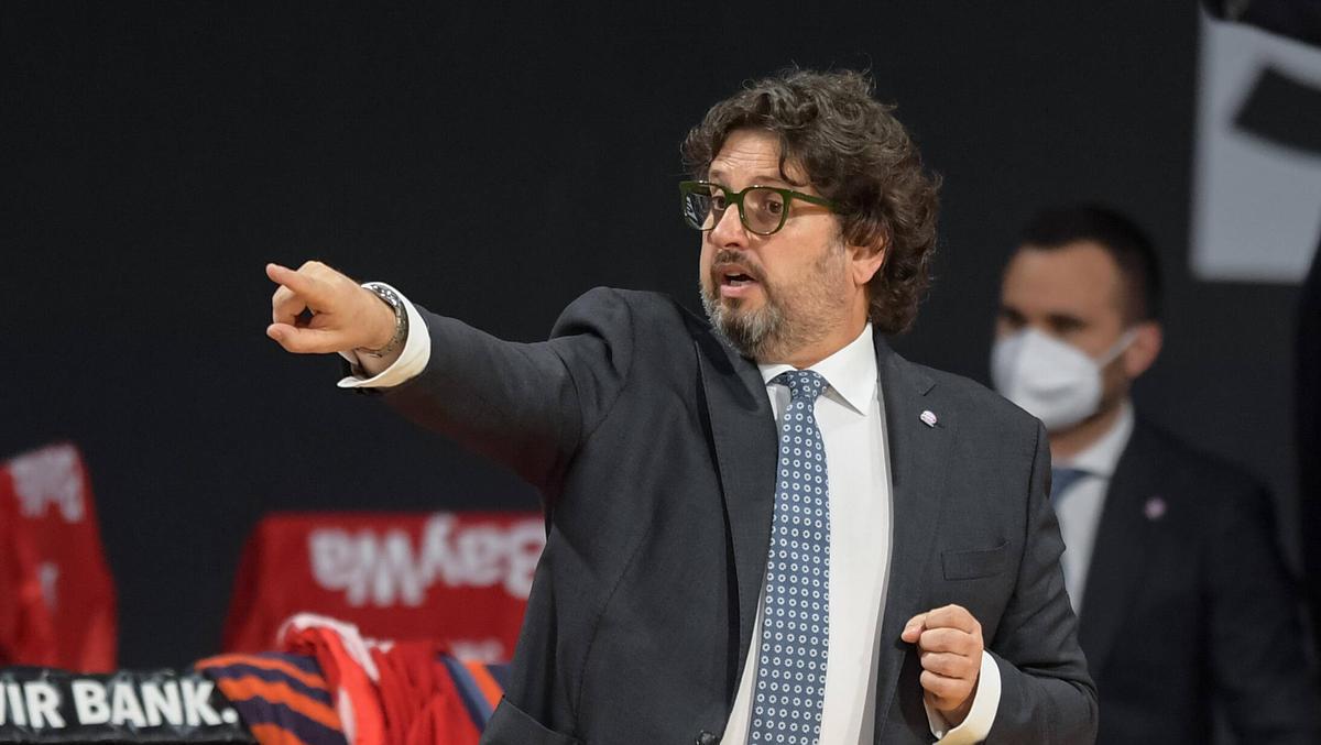 Basketball: BBL-Trainer küren Meisterfavoriten - Zweikampf zwischen ALBA Berlin und FC Bayern München erwartet