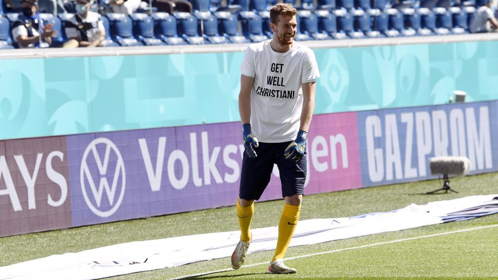Die Finnen um Torwart Lukas Hradecky grüßten Christian Eriksen
