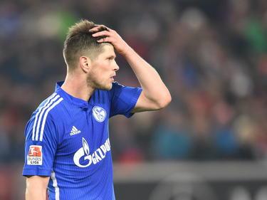 Klaas Jan Huntelaar van Schalke 04 zit met de handen in z'n haar tijdens het competitieduel met VfB Stuttgart. (06-12-2014)
