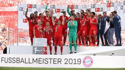 Franck Ribéry, Arjen Robben und Rafinha durften die Schale in die Höhe recken