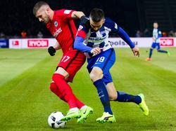 Ibišević im Zweikampf