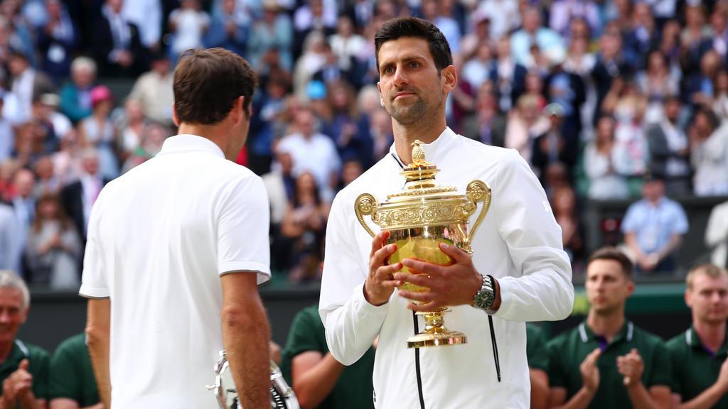 Novak Djokovic feiert seinen Sieg im Finale von Wimbledon