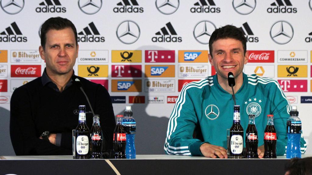 Oliver Bierhoff (l.) würde eine Müller-Nominierung begrüßen