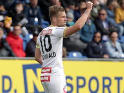 Kapitän Alex Grünwald jubelt über den ersten Austria-Sieg in der Meistergruppe