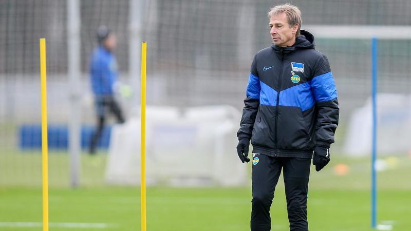 Muss wohl dem DFB noch eine gültige Fußballlehrer-Lizenz nachweisen:Jürgen Klinsmann