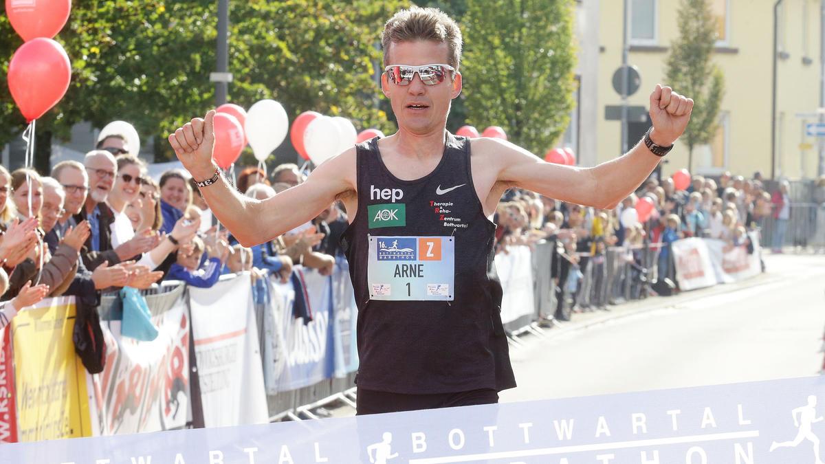 Arne Gabius will beim London-Marathon die Olympia-Norm knacken (Archivbild)