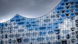 Die Elbphilharmonie ist Schauplatz der EM-Auslosung