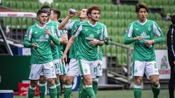 Josh Sargent (2.v.r.) und Yuya Osako (re.) wird Werder Bremen verlassen