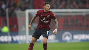 Robert Bauer möchte mit dem 1. FC Nürnberg den VfL Wolfsburg schlagen