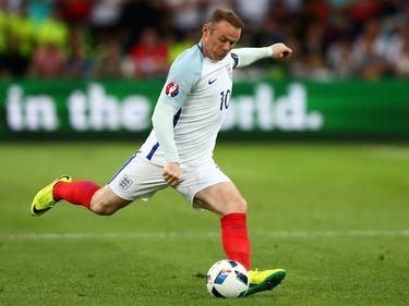 1985 Wayne Rooney, FIFA-Klub-Weltmeister, Champions- und Europa-League-Sieger sowie mehrfacher englischer Meister, wird in Liverpool/ENG geboren.