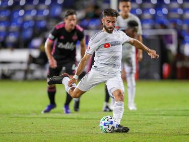 Diego Rossi se convirtió en hombre del partido.