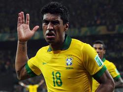 Paulinho feiert seinen Treffer beim Confed-Cup
