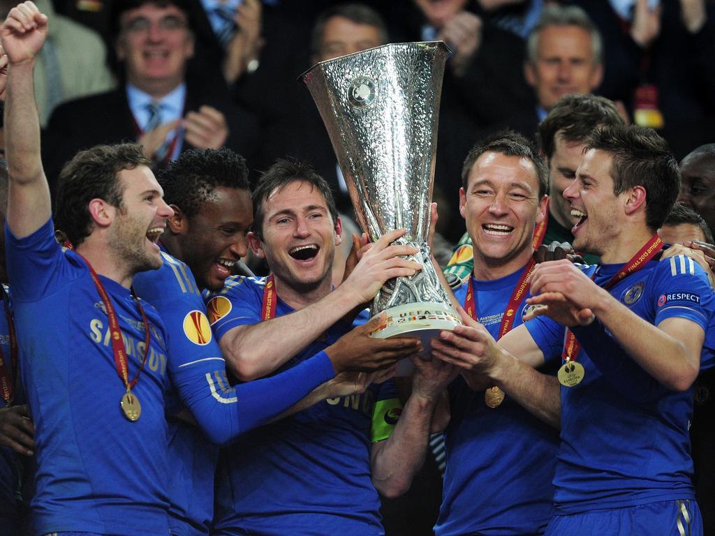 2013 wurde Cesar Azpilicueta (r.) mit dem FC Chelsea Europa-League-Sieger