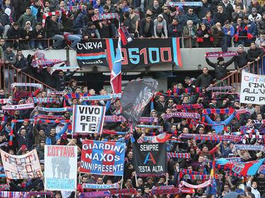 Afición del Catania en un partido de la pasada temporada en la Serie B italiana. (Foto: Getty)