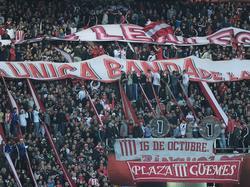 Hinchada de Estudiantes de La Plata. (Foto: Imago)