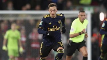 Mesut Özil glänzte bei der Niederlage gegen den FC Liverpool