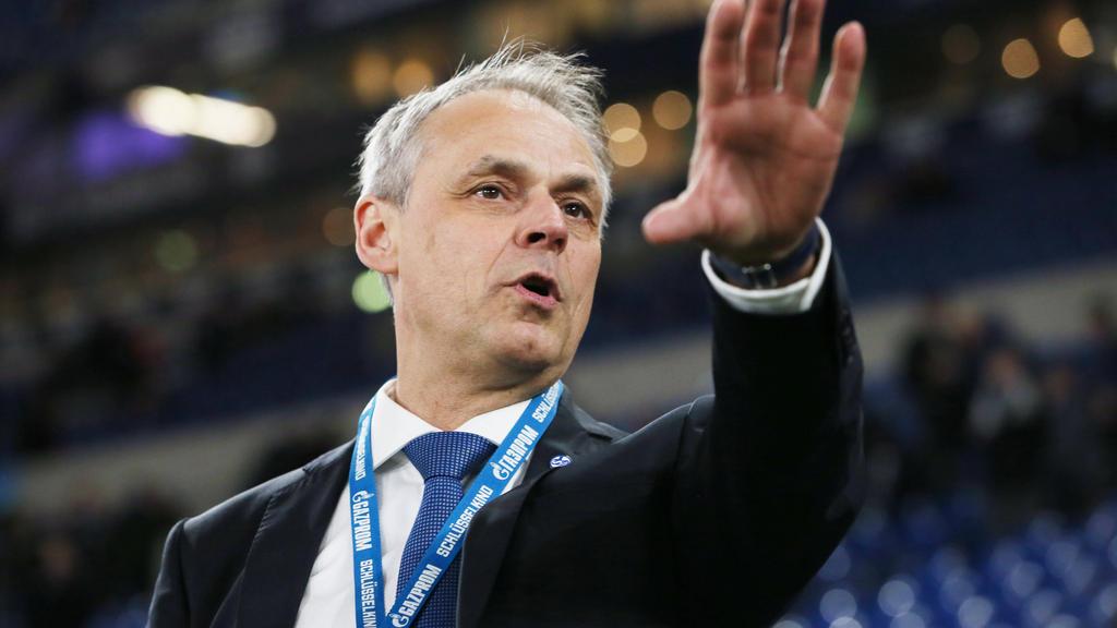 Olaf Thon hat den FC Schalke 04 in die Pflicht genommen