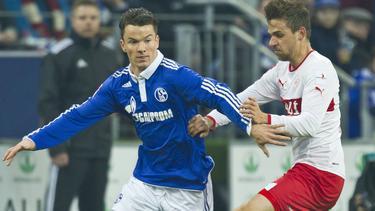 Alexander Baumjohann (l.) drückt dem FC Schalke 04 die Daumen