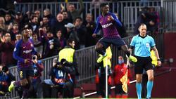 Ousmane Dembélé pega su salto característico tras el gol. (Foto: Getty)