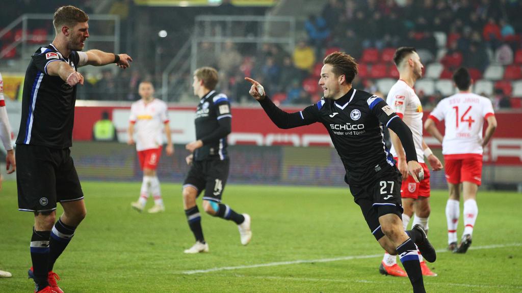 Die Arminia aus Bielefeld bejubelt einen klaren Auswärtssieg