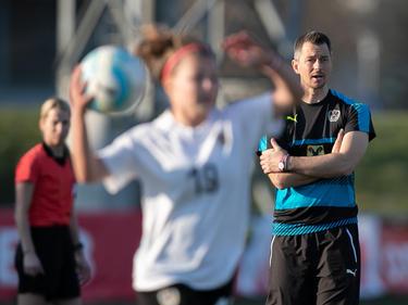 ÖFB-U17-Trainer Markus Hackl hat alles im Blick