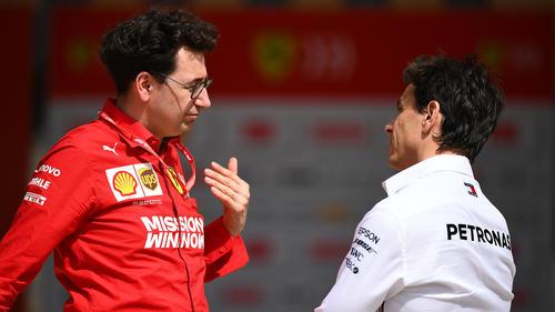 Mercedes-Sportchef Toto Wolff hat sich zu Ferrari geäußert