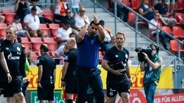 Steht beim FC Schalke 04 schon in der Kritik: Dimitrios Grammozis