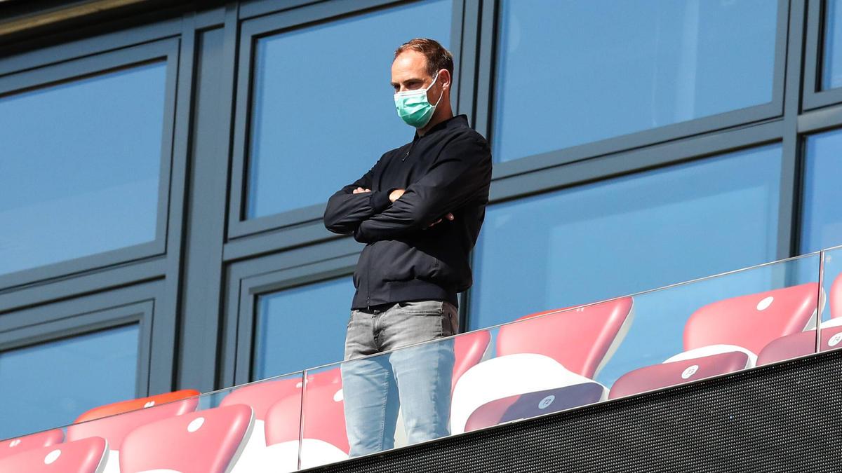Geschäftsführer Oliver Mintzlaff macht sich langsam Sorgen um das sportliche Ziel von RB Leipzig