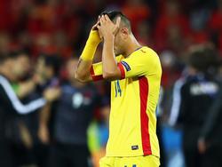 Nach der Niederlage gegen Albanien verbirgt der Rumäne Florin Andone sein Gesicht